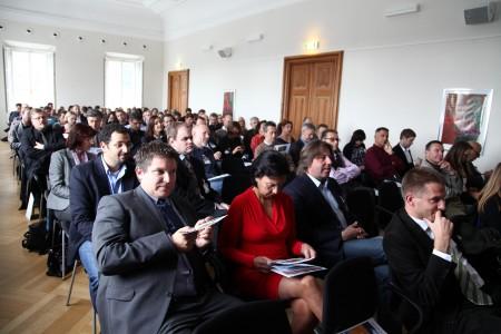 Mehr als 120 Interessierte aus Politik und Salzburgs Wirt-schaft folgten der Einladung von Salzburg Research und nic.at auf die Edmundsburg am Mönchsberg. 5. IT Businesstalk, Salzburg Research, Edmundsburg, Salzburg, 20111013,   Foto: Wildbild