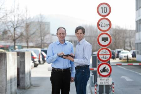 Im Bild (v.l.n.r.): Salzburg Research Geschäftsführer Univ.-Doz. Dr. Siegfried Reich und Projektleiter Mag. Sven Leitinger.