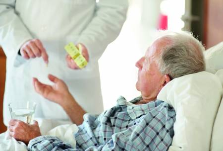 © Yuri Arcurs, fotolia.com | iMedication unterstützt mit einem IKT-basierten Prozess die frühe Identifikation von unerwünschten Arzneimittelwirkungen und führt zu mehr Patientensicherheit im Krankenhaus.