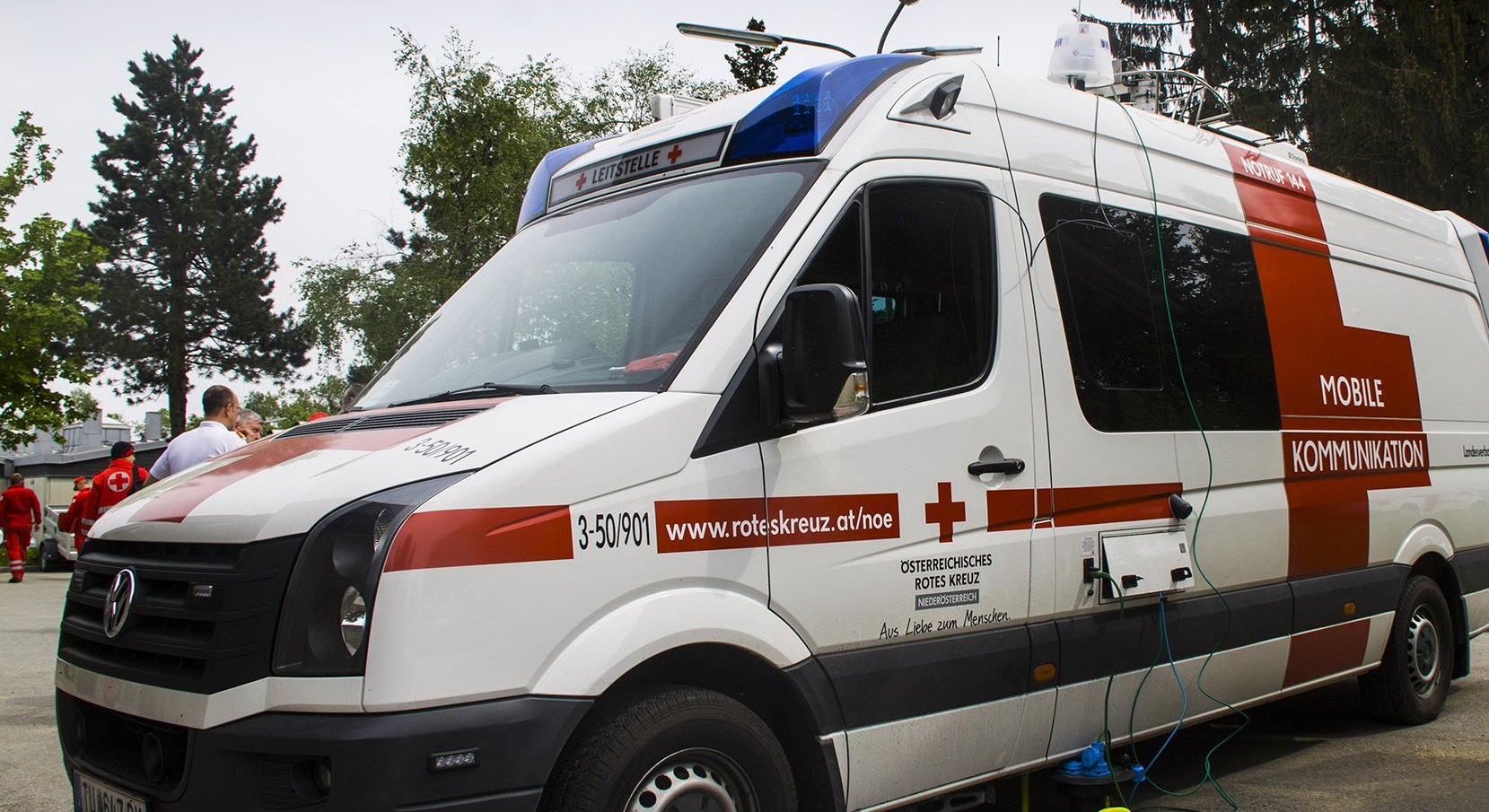 Mobile Broadband Extender auf Leitstellenfahrzeug des Österreichischen Roten Kreuz bei der Bundesrettungsübung 2015 in Allentsteig.