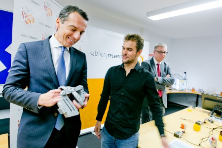 Christian Kern, Bundeskanzler, Besuch Bundeskanzler Kern bei Salzburg Research, 20161108, (c)wildbild