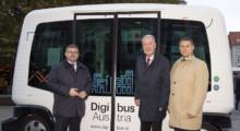 Mobilitätslandesrat Ludwig Schleritzko, Bürgermeister Klaus Schneeberger und Dr. Karl Rehrl von Salzburg Research